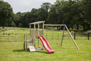 Spielturm Lena (mit Wellenrutsche 228 cm rot)